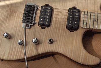 LA GUITARE . COM - bancs d'essai - guitares/basses luthier - xavier petit xavier petit modèle jean fontanille 2 lutherie Xavier Petit modèle Jean Fontanille 2 test - GUITARE