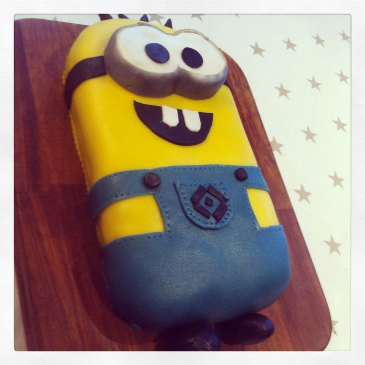 Minion cake for 5-year old