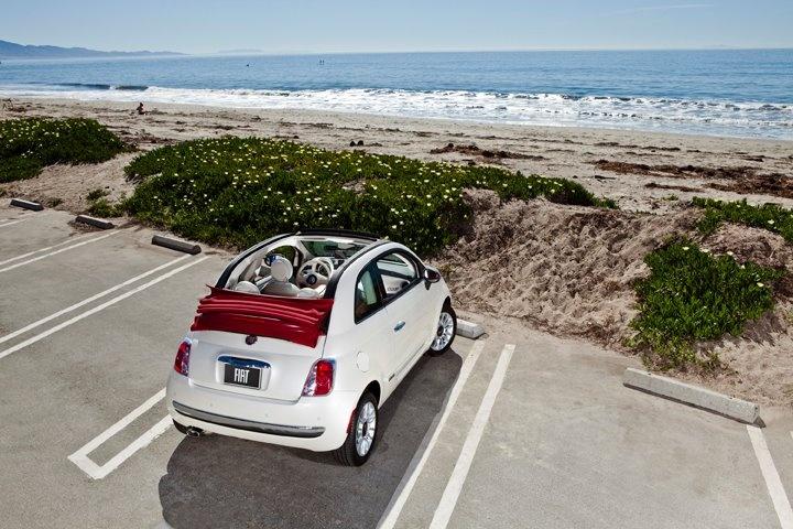 Fiat 500C at the beach