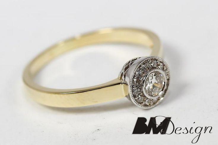 Pierścionek z diamentami, w gładkiej oprawie. Projekt i wykonanie BM Design. Idealny pierścionek zaręczynowy, delikatny pierścionek.BM Design!
