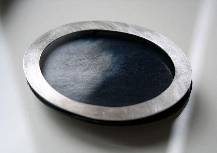 Claire Lavendhomme Pendant: Sithonia Mixed media, silver 9 x 5 x 2.5 cm - http://clairelavendhomme.blogspot.fr/: