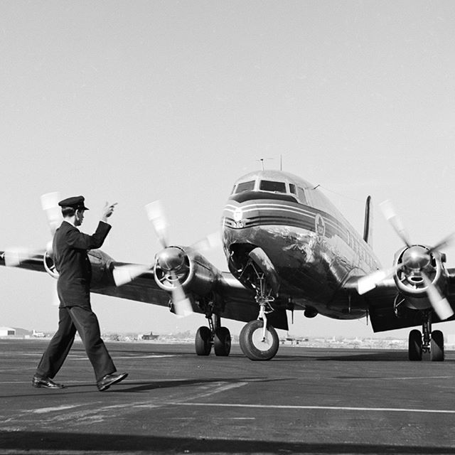 Air Canada'nın bu sene 80. yaşını devirdiğini biliyor muydunuz? #tbt #canada #flight #aircraft #travel #travelgram #instatravel #instapassport #aroundtheworld #history #picoftheday #photooftheday #igers by (aircanadatr). aroundtheworld #history #instapassport #instatravel #igers #picoftheday #flight #aircraft #travelgram #photooftheday #travel #tbt #canada