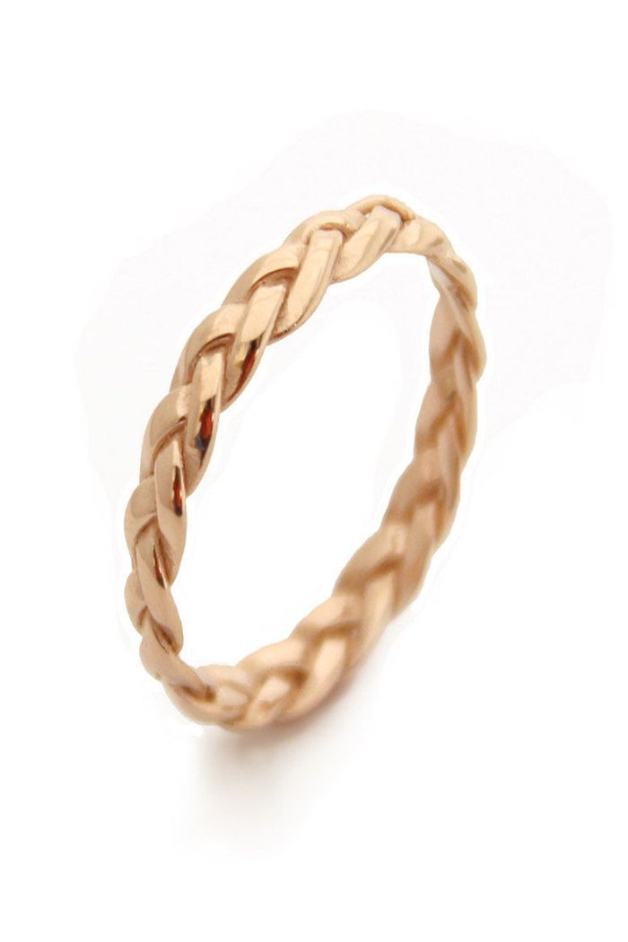 Yellow gold braided wedding ring by MayaMor via Etsy #braidedring #weddingring #gold anillos de compromiso | alianzas de boda | anillos de compromiso baratos http://amzn.to/297uk4t