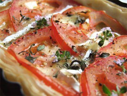 Tarte fine aux tomates et au Camembert - Cuisine Campagne