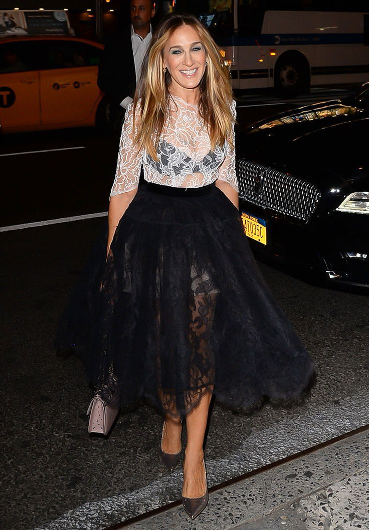 In A Custom Oscar De La Renta Dress, Intimissimi Lingerie, A Valentino Bag And SJP by Sarah Jessica Parker Pumps - At the Intimissimi store grand opening in NYC, 2017