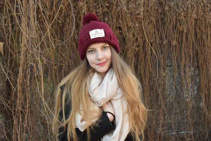 Pe http://scrollprinfolclor.ro/magazin-caciula-tricotata/ găsiţi căciuli călduroase tricotate manual! Care culoare vă place mai mult? #handmade #handmadegifts #handmadehat