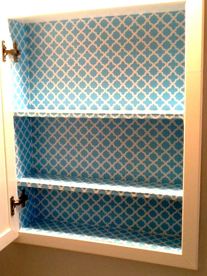 30 Second Mom - Cecilia Cannon: Revive Your Old Medicine Cabinet with Contact Paper