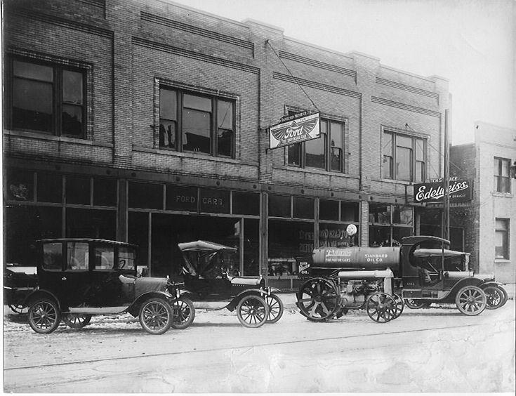 Danielson Motor Company (later Anderson Furniture Store) In Ottawa,  Illinois   Circa 1920u0027s