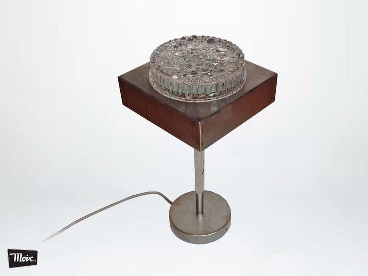 #lámpara auxiliar de sobremesa GILDA de #moix -led. plafón de escalera, pata de silla de cocina, florón de techo.