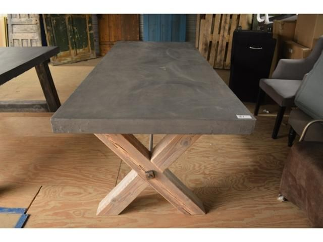 Beton Cire tafel - Vintage & Retro meubelen te Ulft - BVA Auctions - online veilingen