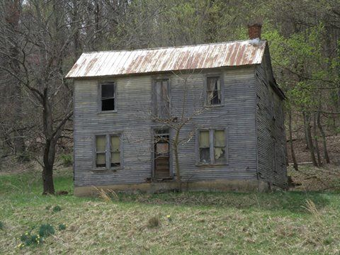 11 Creepy Houses In West Virginia That Could Be Haunted