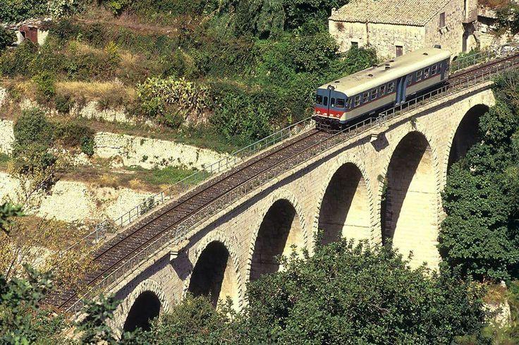 Ponte sul fiume San Leonardo (RG)