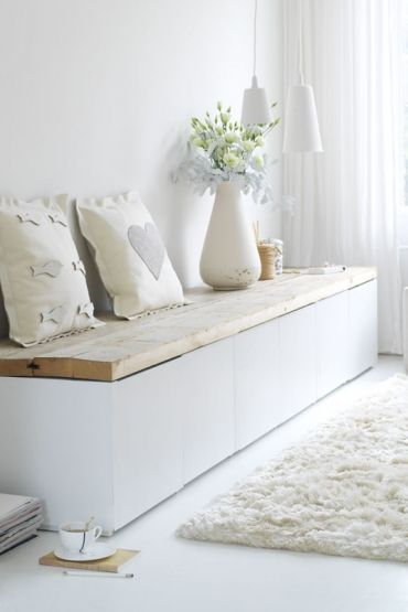 ... ♥ ... Beauitful, clean and simple bench, love it! Soothing colours, such calming, healing energy! More tips: http://FengShui.About.com