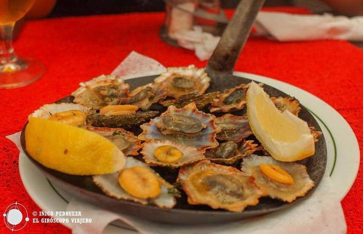 Ración de lapas en el restaurante. Mantequilla salada, ajo y perejil. Deliciosas. Funchal. Portugal. www.islamadeira.es