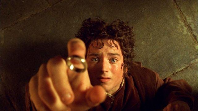 『ロード・オブ・ザ・リング』を見ていて主人公フロドにムカついた方々へ。指輪の持つ力とフロドが果たした役目について、もう一度考えてみませんか?