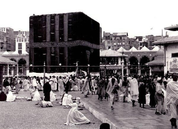 The Kaaba in 1937...Subhan Allah!