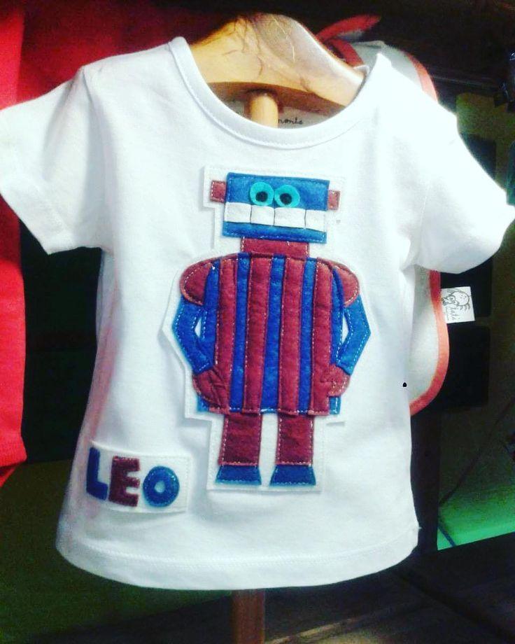 Camiseta para un mini barcelonista !seguro que le encantará a su papa! #bcn #barça #robot #shirt #handmade #bosquesdbroxes #futbol