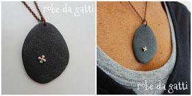 robe da gatti, orecchini e ornamenti fatti a mano in rame e metalli, perle e pietre