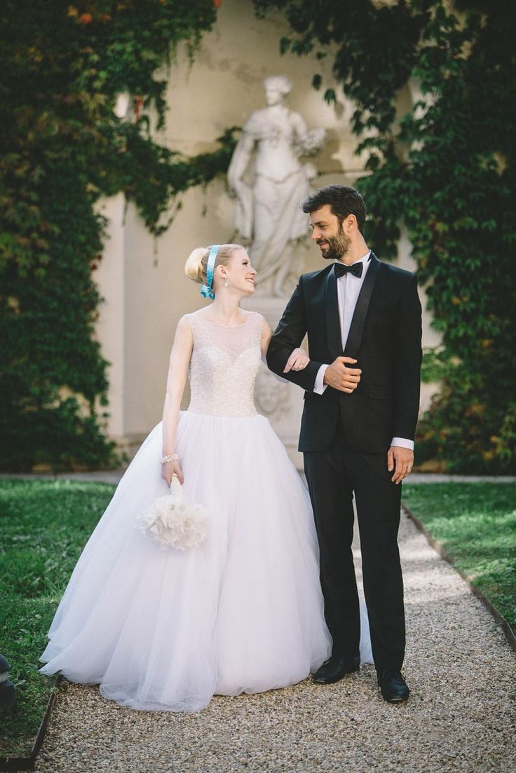 Elegant and post bride and groom style.