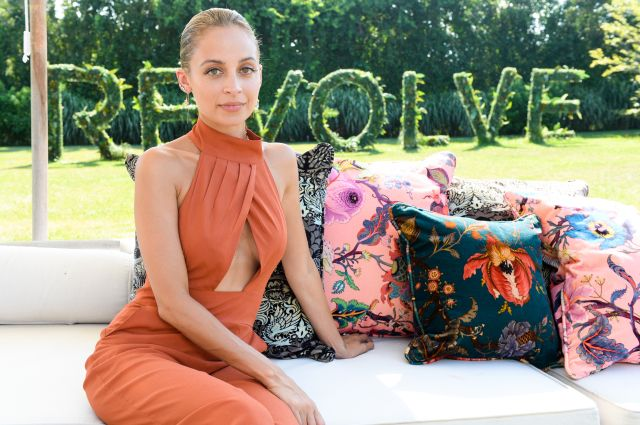 Nicole Richie Erin Wasson and Fiona Byrne Host Hamptons Parties