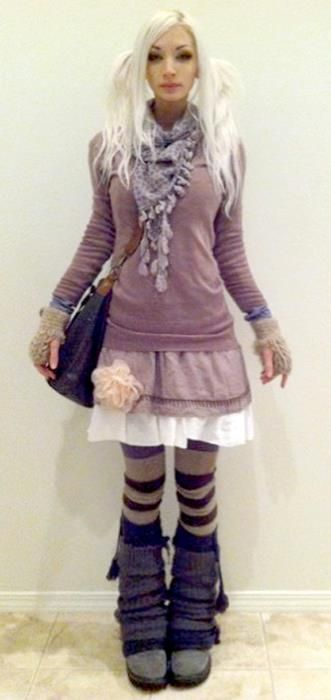 Kato Mori style. Like the feet, and the skirts/sweater. A more modern feel. Not into the hair!