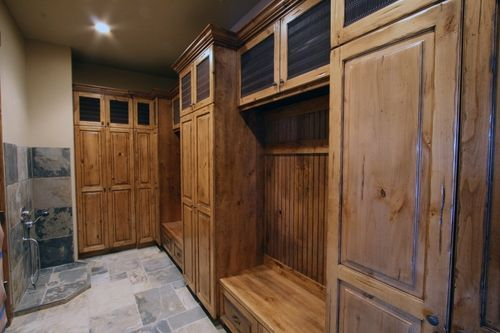 Great idea to have a mini shower area in a mudroom....wash the dog paws!: Mudroom Dogs Wash, Houses Ideas, Dogs Shower, Laundry Rooms, The Great Outdoor, Rooms Ideas, Mudroom Laundry, Laundry Mud Rooms, Mudroom Ideas