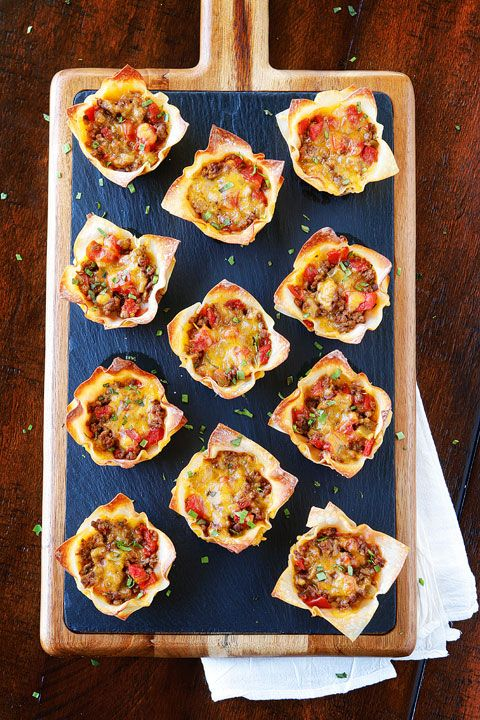Tacos servis sur pâte won ton - Recettes - Recettes simples et géniales! - Ma Fourchette - Délicieuses recettes de cuisine, astuces culinaires et plus encore!