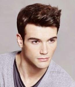 Foto model rambut pria ternyata menjadi salah satu bahan wajib untuk diperhatikan oleh pria ketika hendak memilih jenis potongan rambut yang tepat