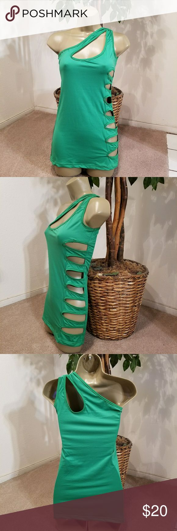 🆕️Sexy Green Mini Dress Brand new, Never Worn, Never tried on  Size M (No size tag) Green   Bundle 5 items listed as 5 for $25 and I will send you the $25 deal 😉  THIS ITEM IS NOT PART OF THE 5/$25 DEAL Dresses Mini
