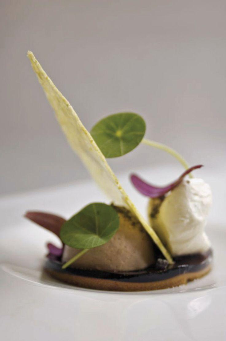 ... malt ice cream with chicory gel and pistachio brittle - David Bean