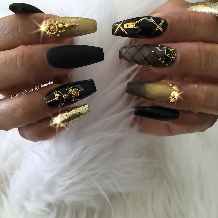 """""""✔️Another LK at These Yonce Nails I Love Them Who going to @beyonce concert? Using @wrapartistnails ⭐️Bling & #prestogel @oceannailsupply…"""""""