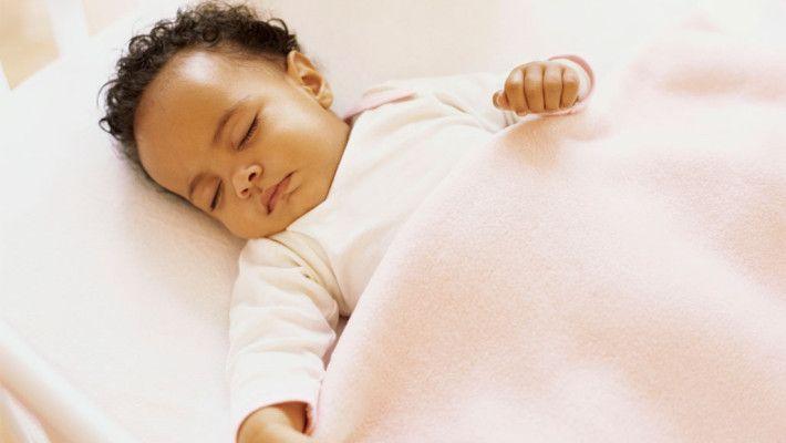 Não existe uma idade certa para retirar a fralda, os pais devem estar atentos aos sinais que as crianças mostram, ter paciência e muita paciência. O desfra