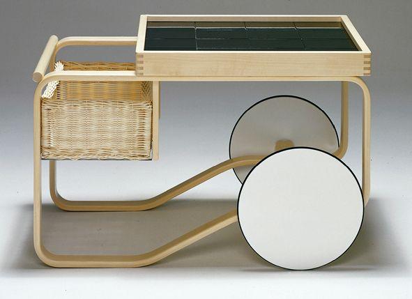 Aalto Simplicidade Harmonia de produção mecânica e matérias naturais, geometria (razão) e natureza