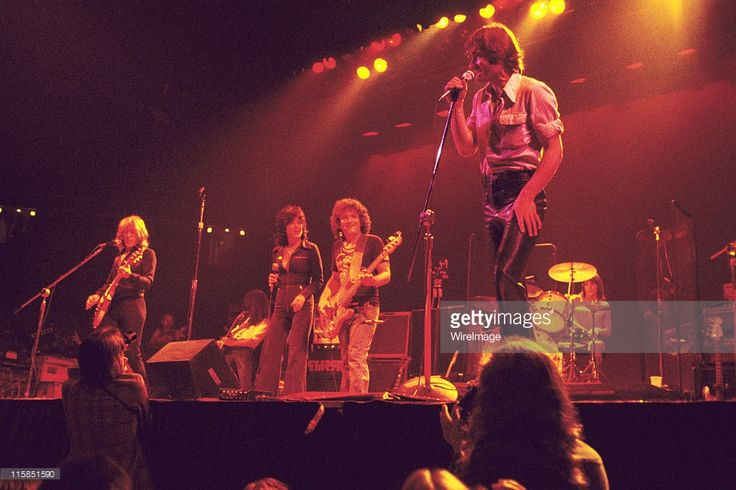 Paul Kantner, Craig Chaquico, Grace Slick, Pete Sears and Marty Balin of Jefferson Starship