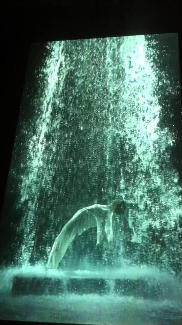 Título: 'Tristan's Ascension' Autor: Bill Viola Una interesante relectura en forma de video instalación de uno de los mitos que más han inspirado a artistas de todas las épocas