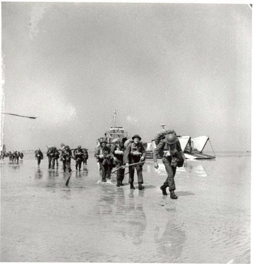 Canadian troops landing at Juno beach D-Day 6 June 1944