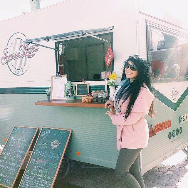 Repost from @ysalmar  Foodtruckretro!!!🚃 #sunday#retro#sweetland#coffe#me#instamoment#february#green#pink#picoftheday#instacoffee#photography#photo#murcia#rinran#merxadillochic#caravana