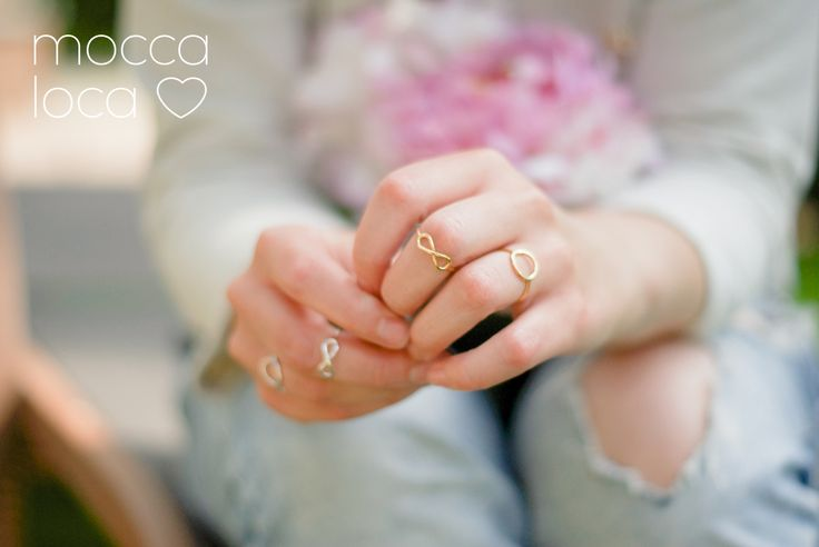 Delikatne pierścionki - karma i nieskończoność