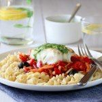 Torsk med tomatsaus, pasta og basilikumpesto