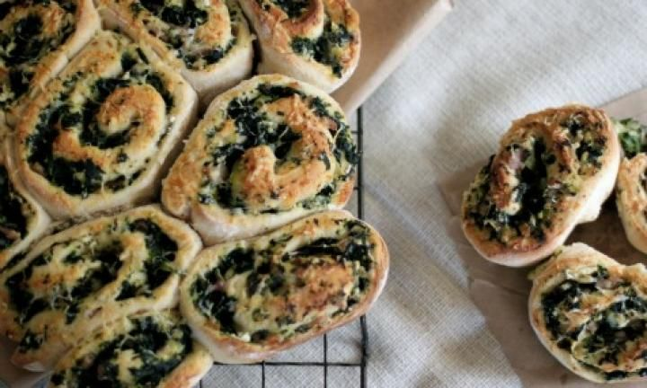 Most kids love bacon and cheese rolls. These bacon, spinach and feta scrolls are a nutritious version. Make a batch on the weekend and freeze them for easy lunch box fillers.