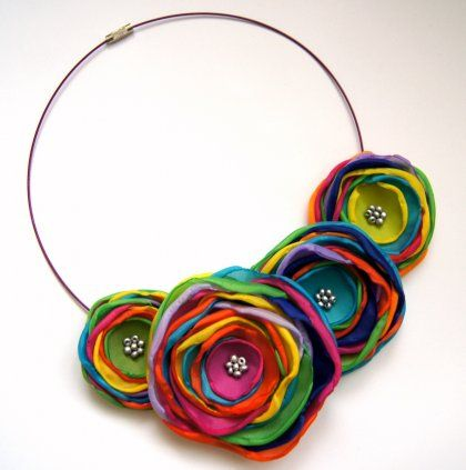 colorful flower necklace. Would love to apply this to my girls headbands.