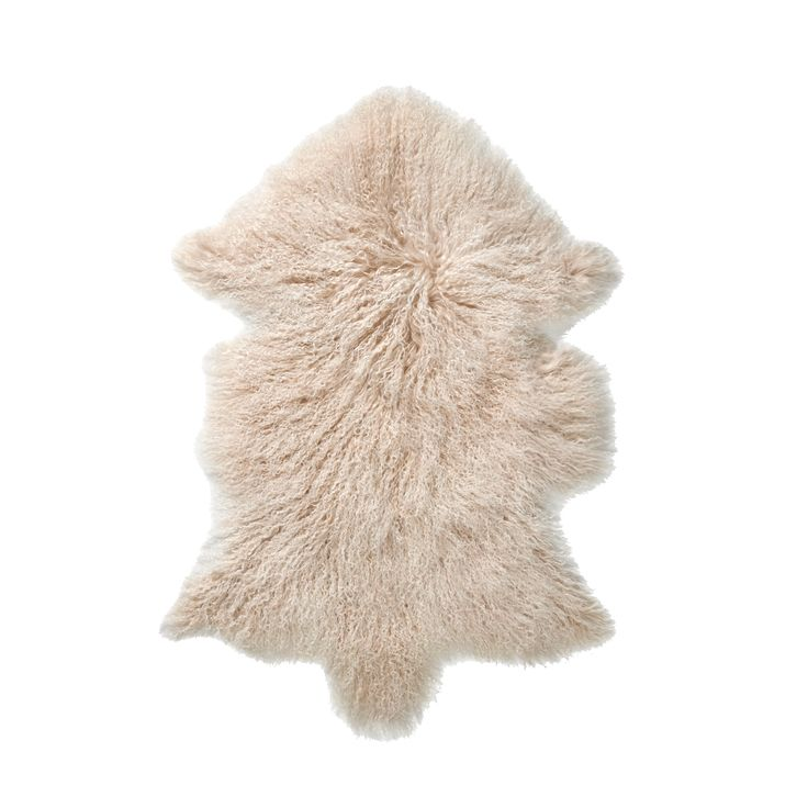 The Everest rug by Bolia comes in a gorgeous arctic colour, and is the perfect compliment to a rustic interior. Designed by Bolia Design Team, this rug is made of tibetan sheepskin.