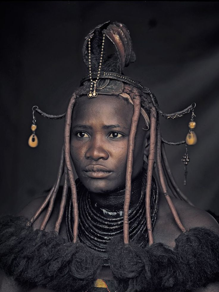 """Himba woman, Namibia, in Jimmy Nelson's photo series """"Before they pass away"""""""