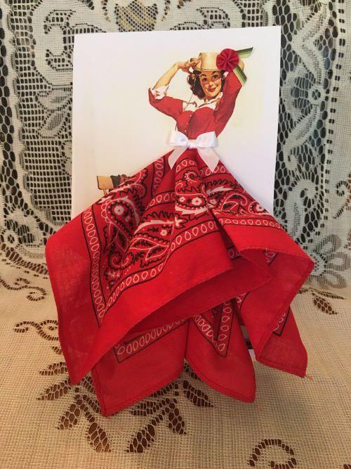 Картинка, открытка с платьем из платочка