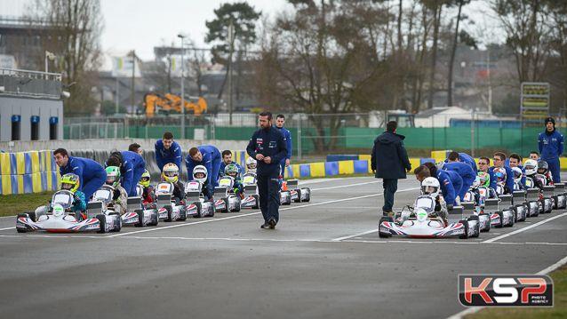 Les pilotes du Championnat de France FFSA Junior Karting