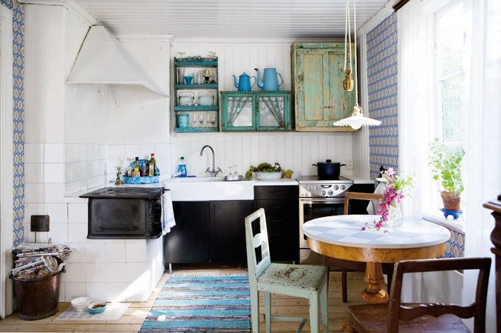 my scandinavian home: Turquoise and greens in a beautiful Swedish cottage kitchen