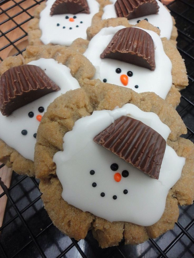 Christmas Cookies, Melting snowman, Chocolate by CookieConstructor on Etsy https://www.etsy.com/listing/172507480/christmas-cookies-melting-snowman