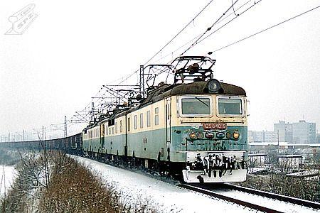 Vozidla - Lokomotivní řada 125.8
