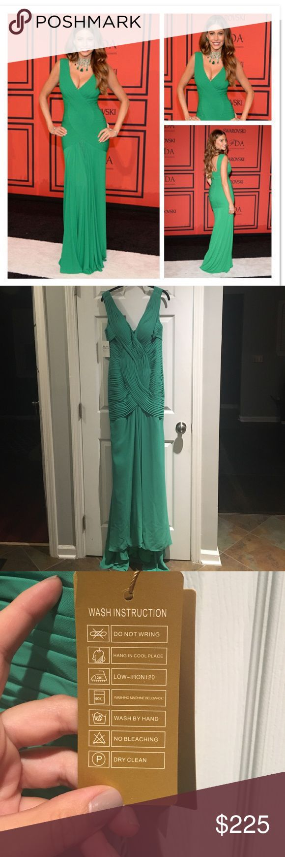 NWT Sofia Vergara Green CFDA Fashion Awards Gown Sofia Vergara Green CFDA Fashion Awards Gown from The Celebrity Dresses site and never worn.  Perfect for prom! Chiffon mermaid/trumpet style train.  Measurements : Bust: 35.5 in, Waist: 28.5 in, Hip: 38.75 in, Hollow to floor: 59 in Celeb Dresses Prom
