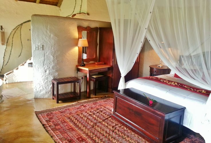 Honeymoon in style at Tanamera Lodge, ideally placed between Sabie and Hazyview in the Mpumalanga lowveld in South Africa - just 30 minutes drive from the Kruger National Park and within an hour drive of the Panorama Route sights!
